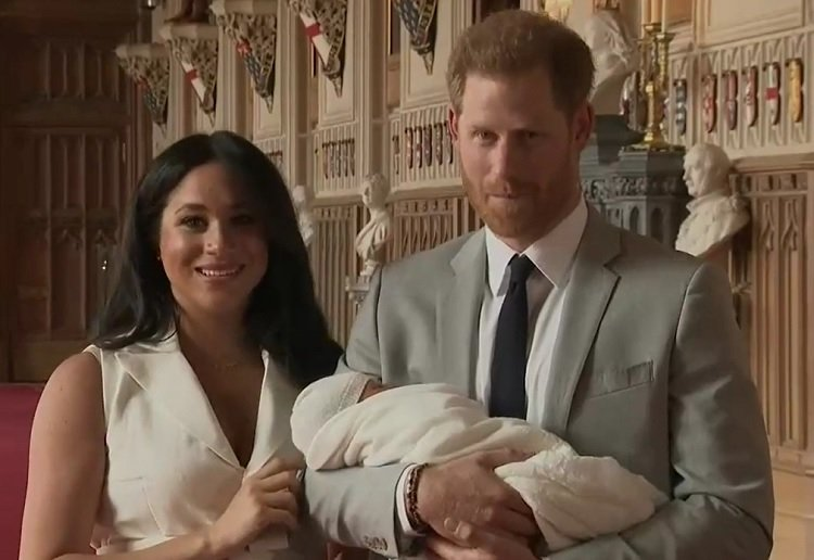Gorgeous NEW Photo of Baby Archie Released for Mother's Day